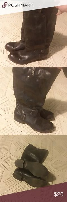 Moto boots Black moto boots with zippers and snaps. Very cute on. Slightly loved but still in good condition. Size 7 Blowfish Shoes Combat & Moto Boots
