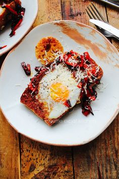 My Little Expat Kitchen: Egg-in-a-hole with charred red peppers and parmesan Egg Recipes, Brunch Recipes, Vegetarian Recipes, Healthy Recipes, Healthy Foods, Kitchen In, Greek Cooking, Egg Dish, What's For Breakfast