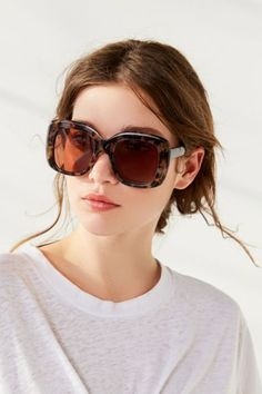Jolie Oversized Square Sunglasses | Urban Outfitters