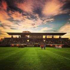 The perfect night for #umich soccer!