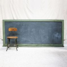 old school chalkboard via Three Potato Four.  Reminds me of my old school chalkboard.  But I really like the green.