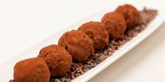 Salted caramel and peanut truffles from Great British Chefs - Chef Recipes by David Everitt-Matthias Caramel Truffle Recipe, Salted Caramel Tart, Caramel Recipes, Chocolate Recipes, Tart Recipes, Chef Recipes, Dog Food Recipes, Delicious Recipes, Sweet Recipes