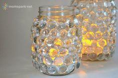 Quando nei negozi di casalinghi, dal mio spacciatore cinese o nei miei amati bazar mi imbatto in quella sorta di biglie di vetro decorative,...