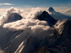 K2 (Savage Mountain, Mountaineer's Mountain, Mount Godwin-Austen, Chogori, Mount Qogir): Karakoram Mountain Range, Border of China and Pakistan / photo by The Real Kvass