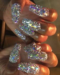 Rhinestone nails, bling nails, glitter nails, bling bling, acrylic nail s. Glam Nails, Fancy Nails, Bling Nails, Glitter Nails, Beauty Nails, My Nails, Bling Bling, Gorgeous Nails, Pretty Nails