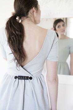 CLIPSHIRT CHLOE. Pince pour vêtement -  martingale amovible - bijou pour vêtement - haut de gamme CHLOE CLIPSHIRT -High-quality clip for clothing, designed by Clipshirt Spirit