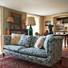 We take a look at the work of antique dealer, furniture designer and decorator Max Rollitt whose quintessentially English interiors are steeped in history - discover the best interior designers on HOUSE Style At Home, Country Style Homes, Cottage Style, English Country Decor, Country Furniture, Antique Furniture, Wood Furniture, Antique Chairs, Modern Furniture