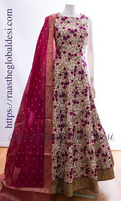 32 Ideas For Sewing Women Clothes Simple Indian Dresses For Women, Stylish Dresses For Girls, Indian Fashion Dresses, Indian Gowns Dresses, Stylish Dress Designs, Dress Indian Style, Indian Designer Outfits, Indian Outfits, Designer Anarkali Dresses