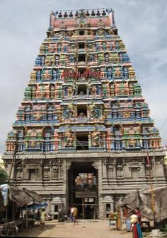 Virinjipuram Temple. No Dowry Inscription, The term Panikgrahana from the Bridegroom's side means 'Holding the hand'  This practice of dowry has played havoc in many a girl's life.  This obnoxious practice seems to have been in existence .at least, before 1300 AD.  And people were concerned.