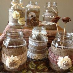 mason jar crafts for kids; home decoration; Mason jars for wedding. Mason Jar Projects, Mason Jar Crafts, Mason Jar Diy, Bottle Crafts, Burlap Crafts, Diy And Crafts, Lace Mason Jars, Jar Art, Altered Bottles