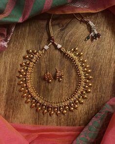 Shop the Most Beautiful Antique Kundan Jewelry Here Jewelry Design Earrings, Gold Jewellery Design, Jewelry Box, Jewelry Clasps, Jewelry Model, Jade Jewelry, Jewelry Armoire, Jewelry Supplies, Jewlery