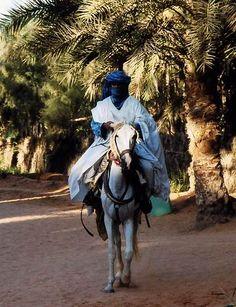 サハラの民族衣装 : 写真でイスラーム