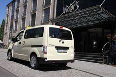 Nissan e-NV200 Taxi http://www.nissanfanblog.de/nissan-e-nv200-ist-taxi-des-jahres-2015 #nissan #nissanenv #nissanenv200 #nissanenv200taxi #env #env200 #env200taxi #taxi #nissanfanblog