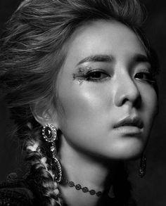 Dara BTS for W Korea nov 2015