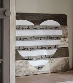 Reclaimed Wood Heart Sign for #valentinesday #DIY #valentine