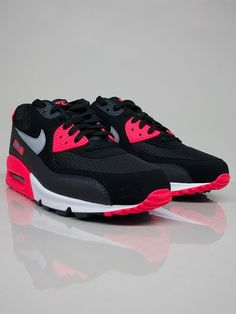 NIKE SPORTSWEAR 537384 006 NIKE AIR MAX 90 ESSENTIAL Scarpe Basse - black - grey - red - antracite € 140,00 - See more at: http://www.moveshop.it/ecommerce/index.php/it/articolo/38884/7540/537384%20006%20NIKE%20AIR%20MAX%2090%20ESSENTIAL#sthash.hecVY9Ux.dpuf