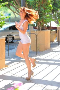 Great legs and heels. Lovely Legs, Great Legs, Auburn, Beautiful Redhead, Beautiful Women, Red Headed League, Redhead Girl, Tight Dresses, Sexy Women