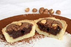 Crostatine alla crema meringata di cioccolato e nocciole