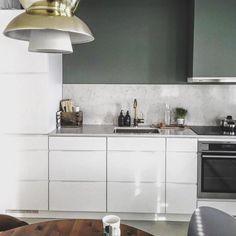 Onze Mano keuken is mooi in iedere ruimte. Wat een rust, ruimte en luxe straalt deze Mano by Kvik keuken uit! Danish design. Kvik keukens Amsterdam. www.kvik.nl