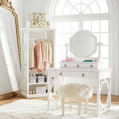 Simple Decor Ideas For Teen Girl Bedrooms Romantic Bedroom Decor, Shabby Chic Bedrooms, Stylish Bedroom, Cozy Bedroom, Master Bedroom, Vintage Bedroom Furniture, Bedroom Vintage, Teen Girl Rooms, Girls Bedroom
