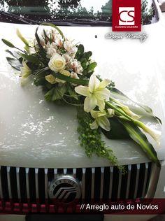 arreglos de auto para bodas - wedding ideas Floral Wedding, Wedding Day, Bridal Car, Wedding Car Decorations, Wedding Transportation, Best Pictures Ever, Arte Floral, The Balloon, Luxury Wedding