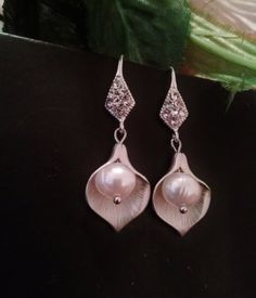 Hey, I found this really awesome Etsy listing at https://www.etsy.com/au/listing/128481986/calla-lilly-earringslily-earringssilver