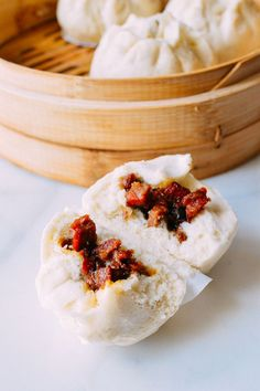 This Chinese Steamed BBQ Pork Buns (Char Siu Bao) recipe unlocks the secret to the perfect steamed pork bun just like you get at the dim sum restaurant Steamed BBQ Pork Buns (Char Siu Bao) Recipe Motley Marble motleymarble # Kochenm This Chinese St Pork Recipes, Asian Recipes, Cooking Recipes, Asian Foods, Char Siu Bao Recipe, Banh Bao Recipe, Steamed Pork Buns, Bun Recipe, Pork Bun Dough Recipe