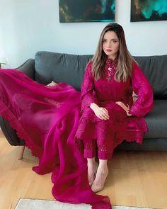 Latest Dress Design, Fancy Dress Design, Stylish Dress Designs, Designs For Dresses, Pakistani Fashion Party Wear, Pakistani Formal Dresses, Pakistani Dress Design, Pakistani Outfits, Pakistani Clothing