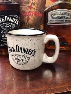 """White and black speckled """"campfire"""" Jack Daniel's mug. Find this new and vintage Jack Daniel's mugs at The Whiskey Cave. Whisky, Cigars And Whiskey, Scotch Whiskey, Bourbon Whiskey, Irish Whiskey, Jack Daniels Gifts, Jack Daniels Bottle, Jack Daniels Whiskey, Peach Drinks"""