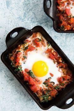 Moroccan Baked Eggs / blog.jchongstudio.com