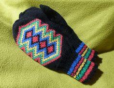Knit Socks, Knitting Socks, Mittens, Gloves, Fashion, Fingerless Mitts, Moda, Fingerless Mittens, Fasion