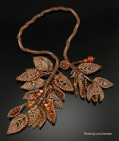 Beadweaving - Spiral Rope Necklace with Russian Leaves - Crystal w/ Copper, .: Beadweaving - Spiral Rope Necklace with Russian Leaves - Crystal w/ Copper, Carnelian, Peach Aventurine. Seed Bead Jewelry, Beaded Jewelry, Rope Necklace, Beaded Necklace, Necklaces, Beaded Flowers, Tiny Flowers, Bead Weaving, Beaded Embroidery