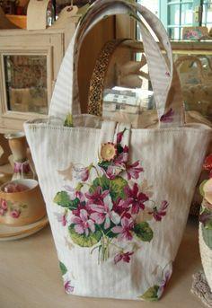 vintage Sanderson handbag