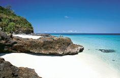Pour une lune de miel sur un îlot mythique: au Tsarabanjina de Madagascar http://www.vogue.fr/mariage/adresses/diaporama/voyages-de-noces-10-destinations-lune-de-miel/17596/image/953876#!les-meilleures-adresses-lune-de-miel-sur-un-ilot-mythique-au-tsarabanjina-de-madagascar