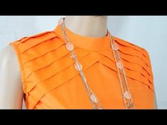 latest back open coller neck designe ☺ Designer Blouse Patterns, Blouse Designs, Princess Cut Blouse, Stitching Dresses, Baby Dress Design, Neck Designs For Suits, Kurta Neck Design, High Neck Blouse, Dresses Kids Girl