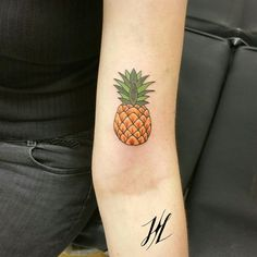 Pineapple by Marjorianne