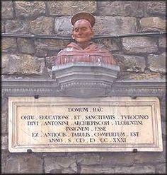 Antonio Pierozzi divenne Vescovo di Firenze intorno alla metà del quindicesimo secolo dopo aver fondato, tra l'altro, il Convento di...