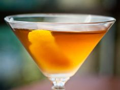 6 Irish Whiskey Cocktail Recipes for St. Whiskey Sour, Best Irish Whiskey, Fireball Drinks, Whiskey Cocktails, Irish Cocktails, Alcoholic Beverages, Cocktail Drinks, Jameson And Ginger, Cocktails To Make At Home