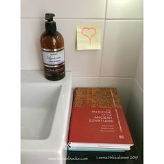 In my childhood home we had a in the bathroom as well. So I suppose it is no a great surprise that I have books in the bathroom. And as my have the ancient theme, many of the books are about Start Writing, Writing A Book, Life In Ancient Egypt, Witch Series, University Of Manchester, Book Of The Dead, Pen Name, A Writer's Life, Got Quotes
