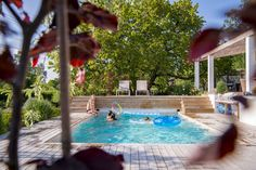 Pergola For Small Backyard Wood Pergola, Pergola Canopy, Pergola Kits, Outdoor Pool, Outdoor Gardens, Pool Construction, Backyard, Patio, Terrace Garden