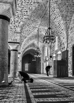 One of many great free stock photos from Pexels. This photo is about black and white, mosque, turkey Mecca Wallpaper, Quran Wallpaper, Islamic Wallpaper, Mecca Masjid, Mecca Islam, Islamic Posters, Islamic Art, Alhamdulillah, Muslim Images
