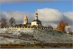 Городня. Бывшая дворцовая церковь тверских князей 1391 года. Самая старая постройка, сохранившаяся в области. Городня впервые упоминается в летописях в 14 веке, тогда она носила имя город Вертязин, который защищал подступы к Твери со стороны Москвы.