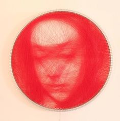 Los retratos realistas creados con hilo Petros Vrellis 8