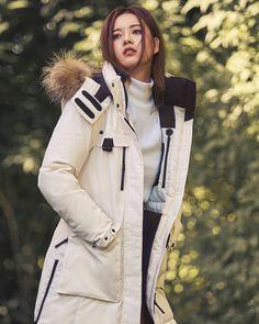#고아라 패딩 하나로 완성한 스타일리시한 겨울 패션 #topstarnews http://ift.tt/2fmb5YM 인스타그램으로 보기 http://ift.tt/2fmjpu7