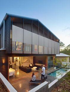 Shaun Lockyer Architects design a house on a steep, inner-city street in Brisbane