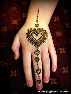 Heart Jewelry Henna Design