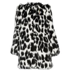 Marc Jacobs Embellished leopard-print faux fur coat (€1.025) ❤ liked on Polyvore featuring outerwear, coats, jackets, leopard print, imitation fur coats, black and white coat, leopard print coat, marc jacobs and leopard coat