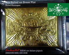 Logo NU Kuningan 300 ribu 30X 40cm dalam pigura