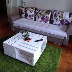 recycled pallets made table  #table #pallettable #pallets #woodpallets #palletfurniture #palletprojects #palletideas #recycle #recycledpallet #reclaimed #repurposed #reused #restore #upcycle #diy #palletart #pallet