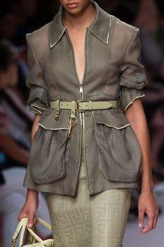Fendi Spring 2019 Fashion Line, Fashion 2020, Fashion Brand, Runway Fashion, Girl Fashion, Womens Fashion, Fashion Design, Milan Fashion, Fendi